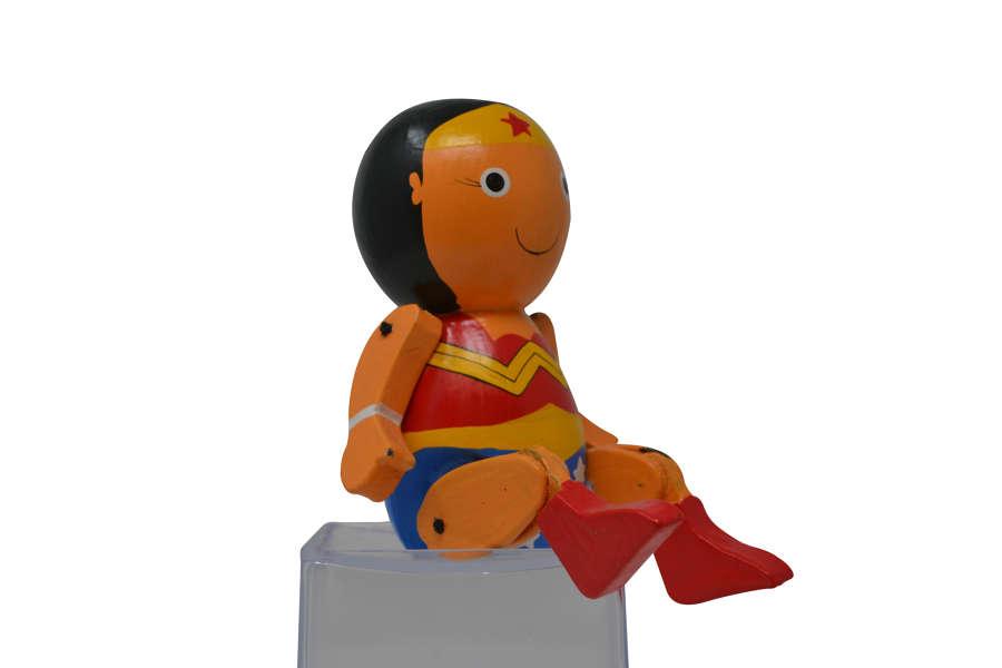 Round Sitting Wonder Woman
